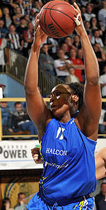 Le'Coe Willingham in action during EuroLeague women 2009-2010 © Viktor Rebay