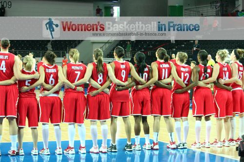 2012 FIBA Olympic Qualifying Tournament for Women: Team Canada before game ©  womensbasketball-in-france.com