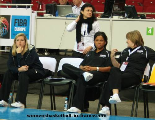 Pokey Chatman and the Slovak Republic staff at EuroBasket Women2009 © womensbasketball-in-france.com