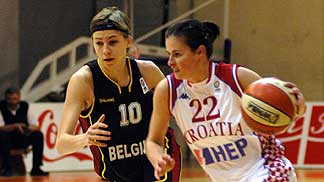 Sara Leemans and Ivana Jurcevic © FIBA Europe