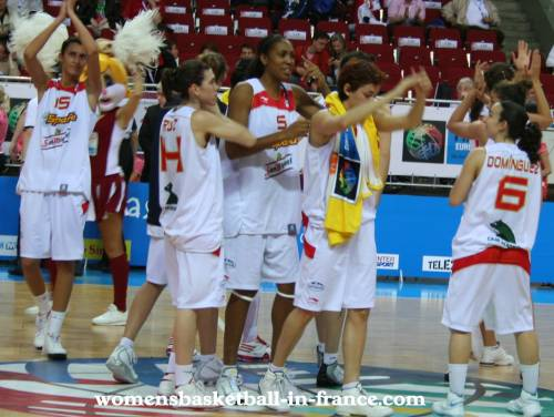 Spain win again at EuroBasket Women 2009 © womensbasketball-in-france.com