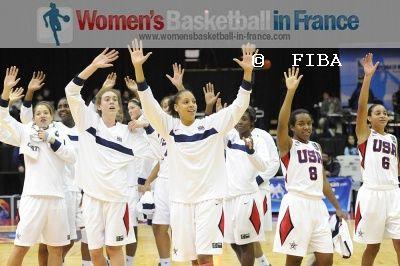 USA U19 beat France again at a quarter-final © FIBA