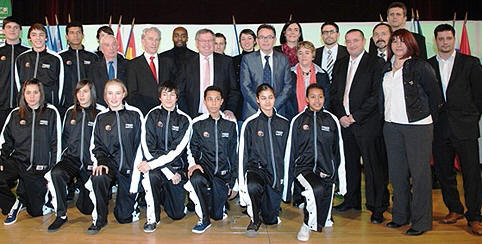 French youth players and officials  together after the draw  © FFBB