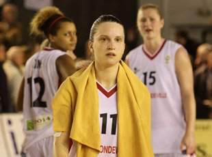 Clarisse Costaz disappointed at end of game  © sportacaen.fr