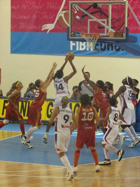 Emméline Ndongue at EuroBasket 2007