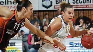 Ana Lelas and Kelly  Mazzante ©  FIBA Europe